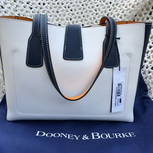 efd3043d858a Dooney   Bourke Bags - 💙Dooney   Bourke Small Shannon Tote💙